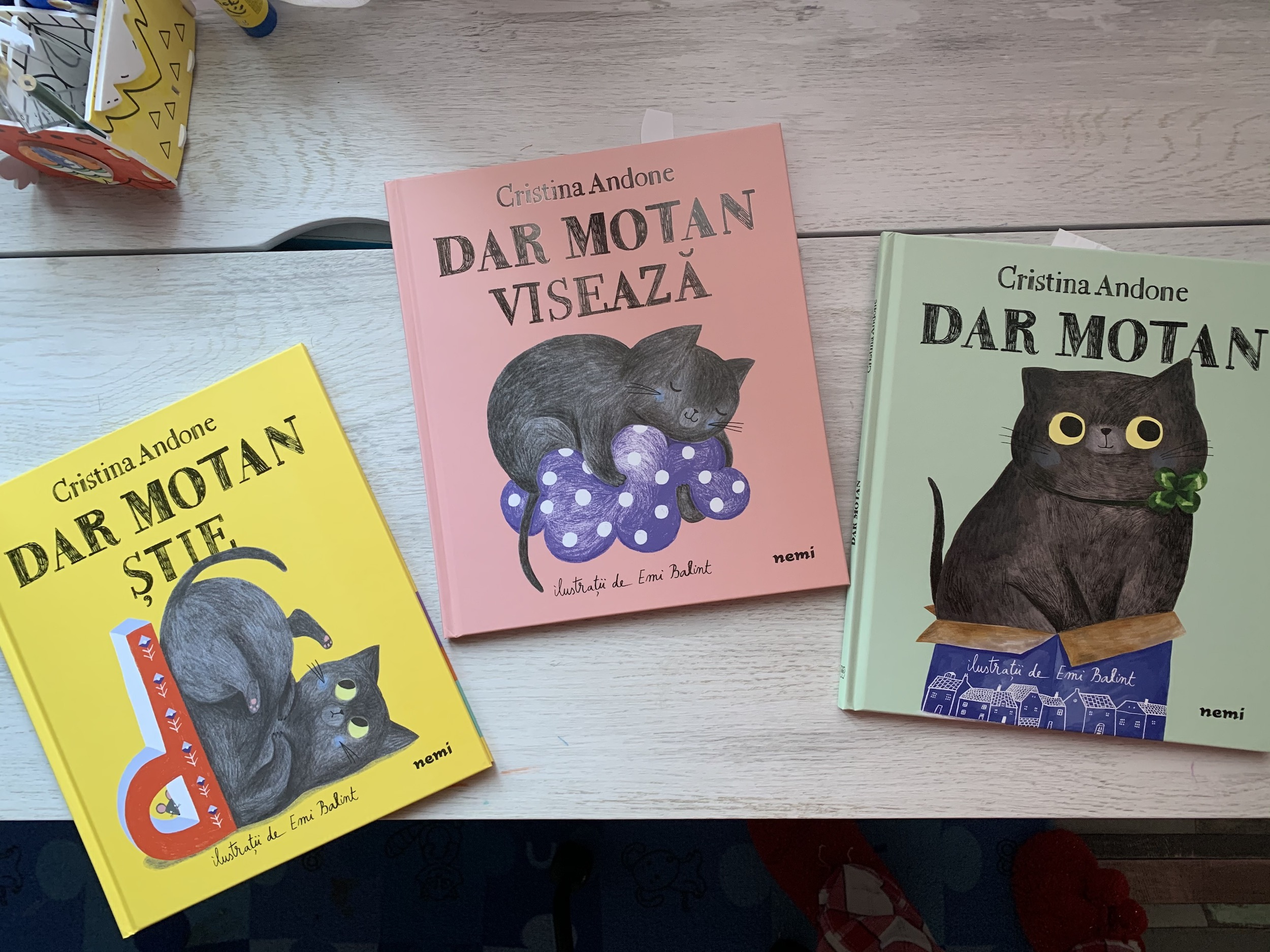 Cărțile DAR Motan, de Cristina Andone, un dar pentru copii și părinți – Recenzie